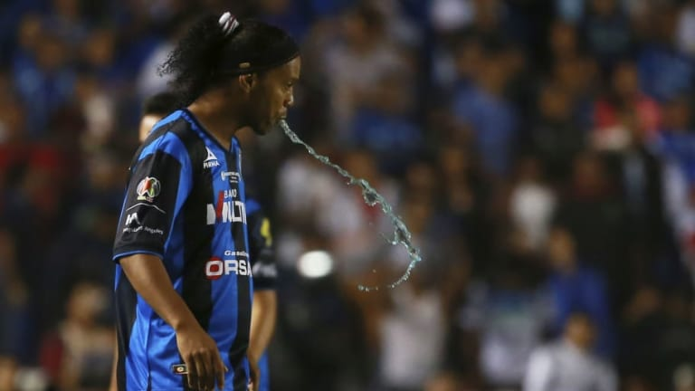 Los 6 secretos de Ronaldinho en su paso por México que nadie conocía