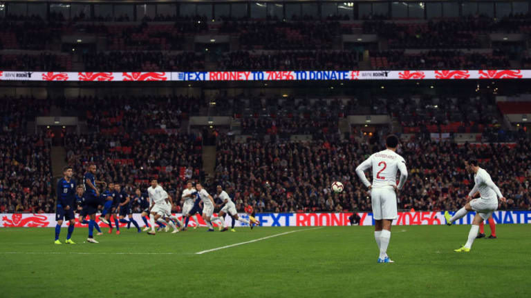 'Headless Chicken': England Fans Criticise Midfielder's Performance in Friendly Win Over USA
