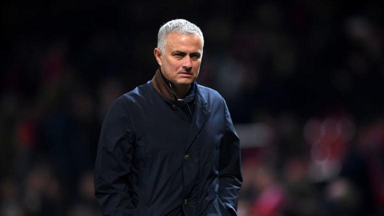 La loca reacción de Mourinho tras el gol de Fellaini y su irónico mensaje a sus 'lovers'