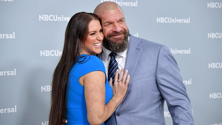 Traina Thoughts: FOX, USA To Pay Big Money To WWE For Rights To 'SmackDown,' 'Raw'