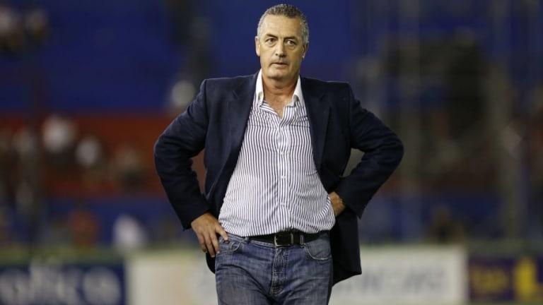 Gustavo Alfaro es un técnico de equipo chico