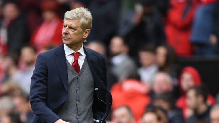 Arsene Wenger & Alexis Sanchez Embrace as Old Friends in Emotional Day at Old Trafford