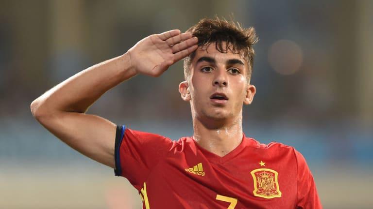 El juvenil del Valencia que ha sido inscrito en la primera plantilla para lo que queda de temporada