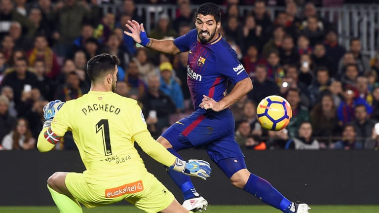 Twitter Tears Luis Suarez Apart After Referee Fails to Spot Controversial 'Roundhouse Kick'