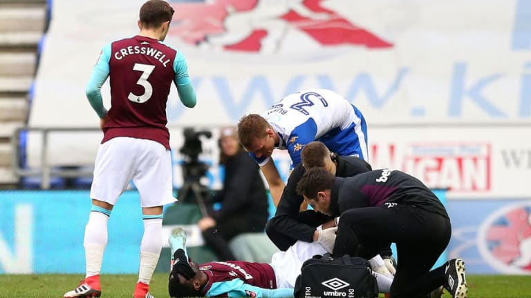 West Ham Midfielder Set to Miss '3 to 4 Months' With Knee Injury Sustained in Defeat to Wigan