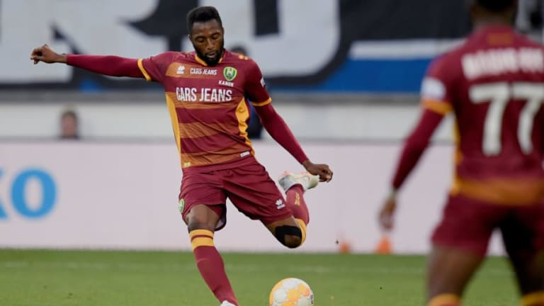 Crystal Palace Poised to Make January Bid for Eredivisie Centre Back Wilfried Kanon