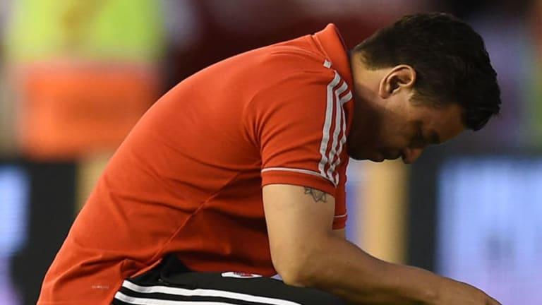 Un jugador de River se lesionó cuando entraba en calor en el entre tiempo del partido con Huracán