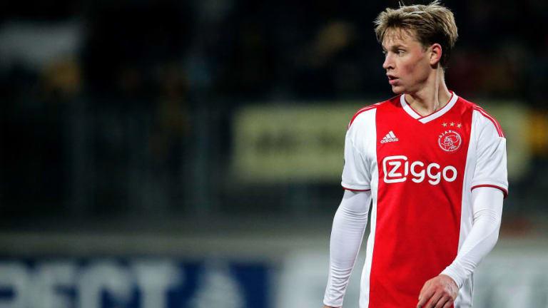 In-Demand Midfielder Frenkie de Jong Gives Green Light to Barcelona Ahead of Summer Transfer