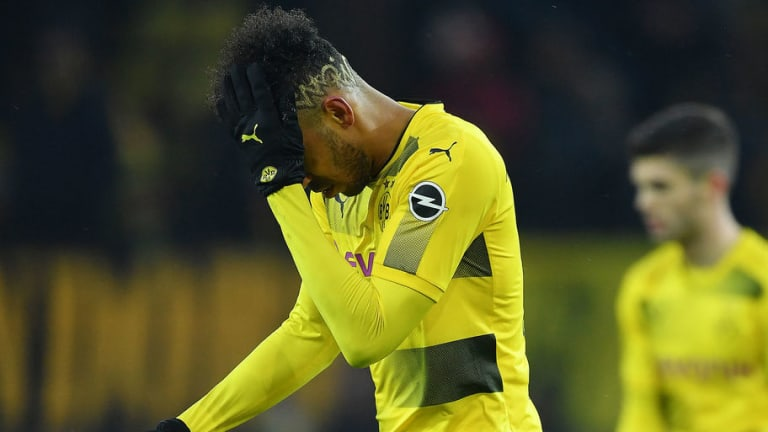 Arsenal's Hector Bellerin Drops Twitter Hint Over Reported Transfer of Aubameyang