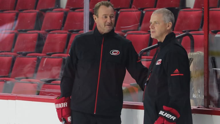 Carolina Hurricanes' Steve Smith Resigns as Assistant Coach