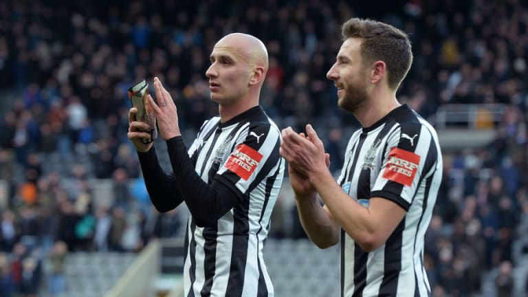 Newcastle Confirm Jonjo Shelvey Sustained a Knee Injury Against Bournemouth