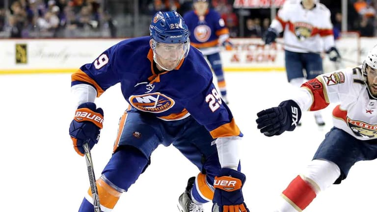 Brock Nelson Agrees to One-Year Deal With Islanders, Avoiding Arbitration