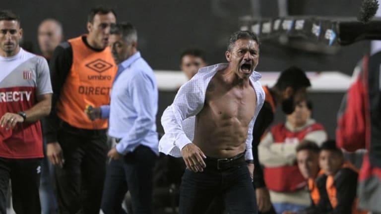 LOCURA | Griezmann le recordó a Vivas el día que se sacó la camisa contra Boca