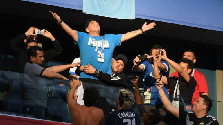 Helping Hand of God: Maradona Takes to Social Media to Calm Health Fears After Worrying Video