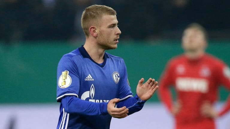 Free Agent Max Meyer Set for Crystal Palace Medical After 'Positive Talks' With Eagles