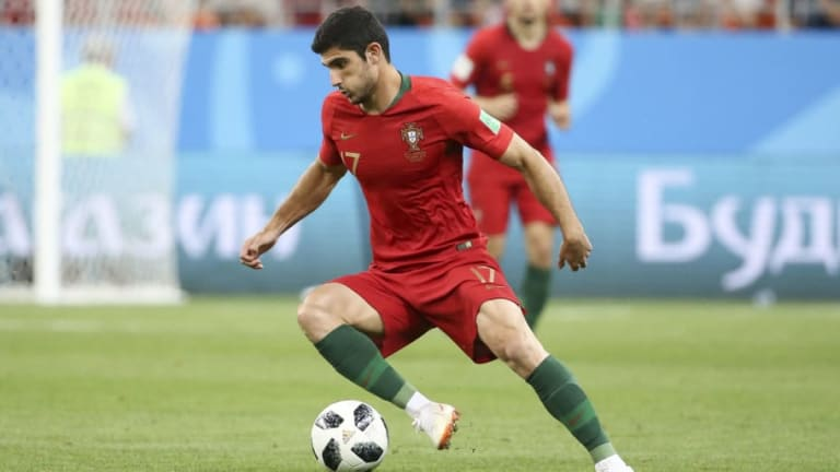 Arsenal Prepare Move for PSG Forward as Unai Emery Eyes Reunion With Portugal Star Goncalo Guedes