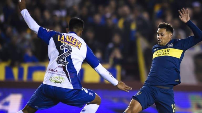 PICANTE    El mensaje de Cubero a Mauro Zarate en la presentación de la camiseta de Vélez