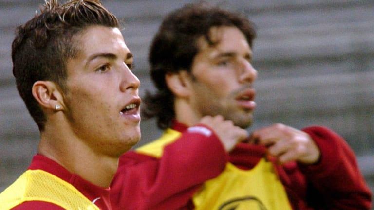 La razón por la que a Van Nistelrooy no le gustaba jugar con CR7 y se marchó al Real Madrid