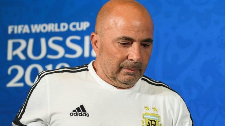 ¿LE PREGUNTÓ? | Sampaoli explicó la charla con Messi sobre el cambio de Aguero