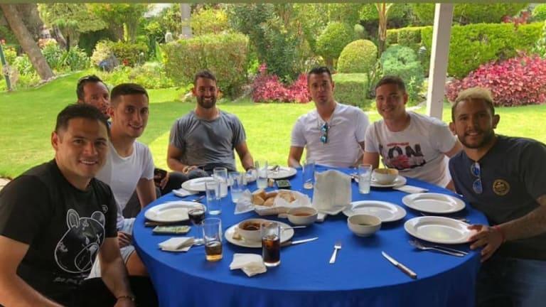 AMISTAD | La buena vibra de los jugadores de Cruz Azul en La Noria