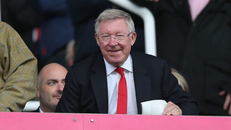 VIDEO: Fan Appears to Spot Sir Alex Ferguson Telling Jose Mourinho to Play Youth Starlet More Often