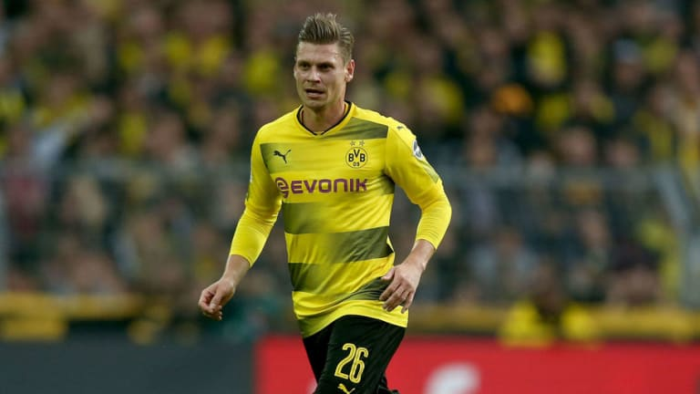 Borussia Dortmund Right Back Lukasz Piszczek Confirms He Will Retire at End of Current Contract
