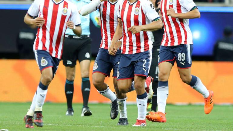 ¿PROBLEMAS? | Los 2 jugadores de Chivas que estan demandados ante la ley