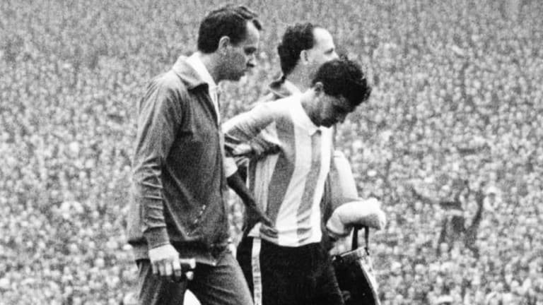 World Cup Countdown: 8 Days to Go - What if Antonio Rattín Hadn't Been Sent Off?