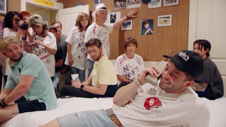 Watch: How Baker Mayfield Recreated the Brett Favre Draft Photo