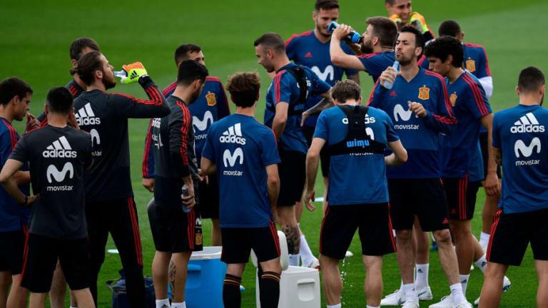 DESVELADO | El árbitro que dará clases de VAR a la selección para el Mundial