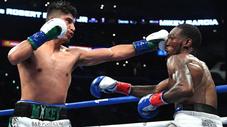 Mikey Garcia Trounces Robert Easter in Unanimous Decision, Nabs IBF 135-Pound Belt