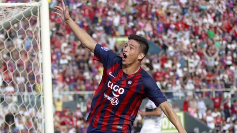 NO LO VAS A CREER | El chico de ¡14 años! que convirtió un gol en el clásico paraguayo