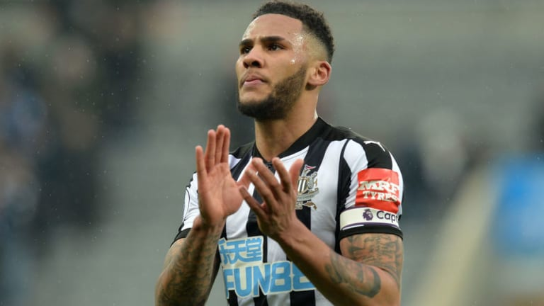 West Ham Fans React to Reported £15m Summer Swoop for Newcastle Captain Jamaal Lascelles