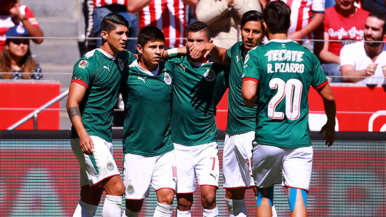 ¡TODO LISTO! | El posible 11 inicial de Chivas ante Santos