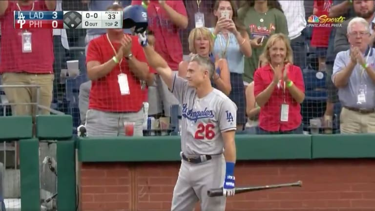 Watch: Phillies' Fans Give Chase Utley Standing Ovation to Open His Final Series in Philadelphia