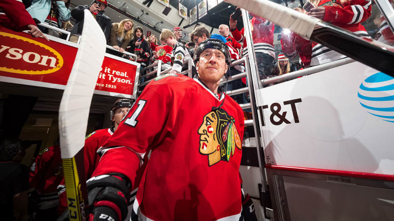 Blackhawks Unload Marian Hossa's Contract in Trade With Coyotes