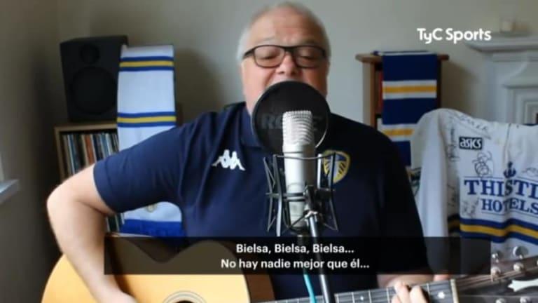 YA LO AMAN | La curiosa canción que le dedicó un hincha del Leeds a Marcelo Bielsa