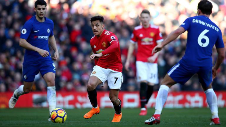 Alexis Sánchez se luce en victoria del Manchester ante el Chelsea