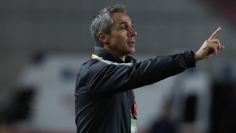 Leicester Eyeing Former Coach Paulo Sousa as Potential Claude Puel Replacement