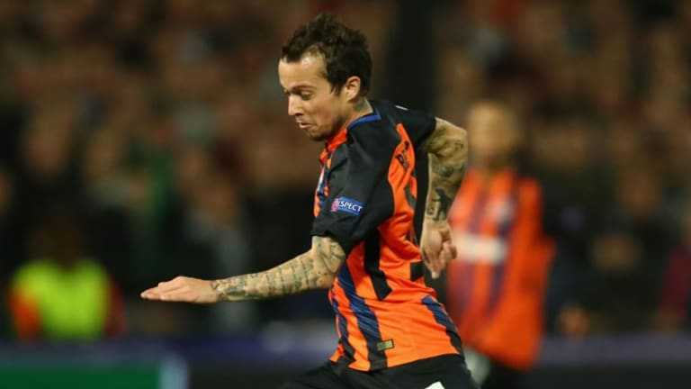 Chelsea Lead West Ham & Leicester as 12 Clubs Rush to Sign Brazilian Free Agent Bernard