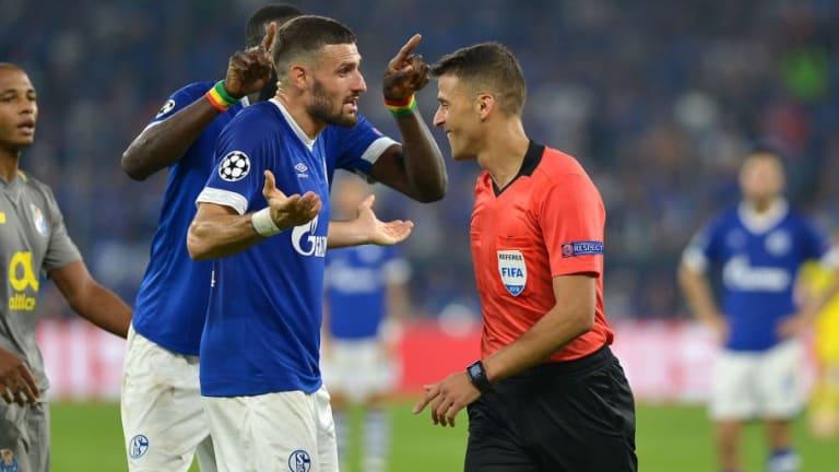 La polémica jugada del Schalke - Porto en la que los alemanes pidieron el VAR