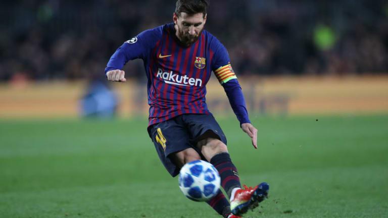 Leo Messi explicó como hace para perfeccionar sus tiros libres