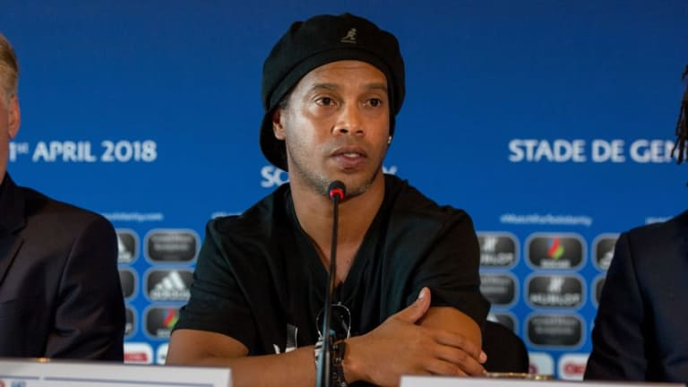 Ronaldinho Denounces Rumours of Marrying Both His Girlfriends at the Same Time