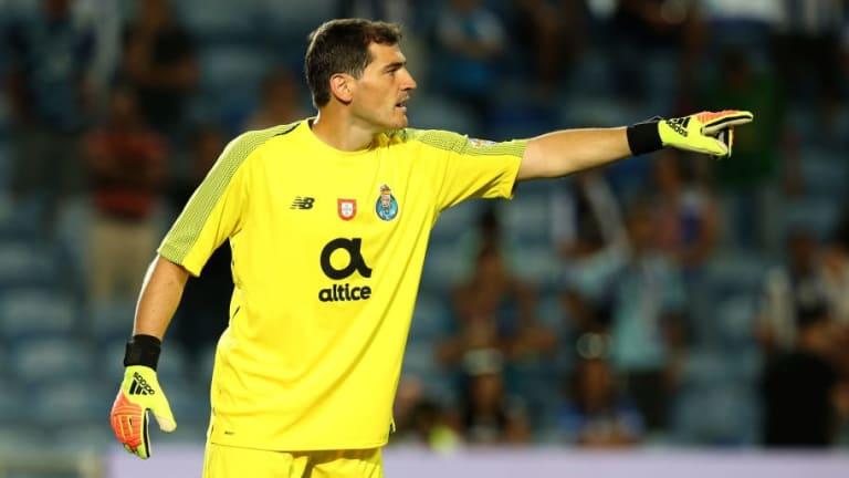 Casillas presume de sus cantadas vía Twitter, en defensa de los ataques a Karius
