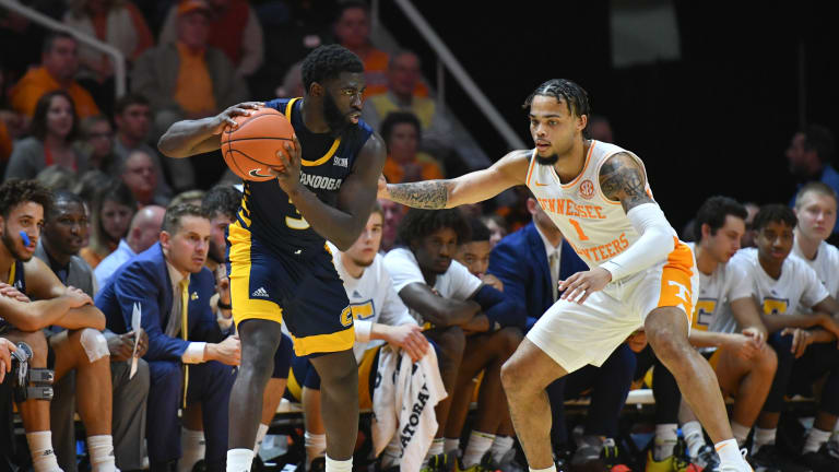 No. 17 Vols Overcome Shooting Woes, Use Stingy Defense to Down Chattanooga