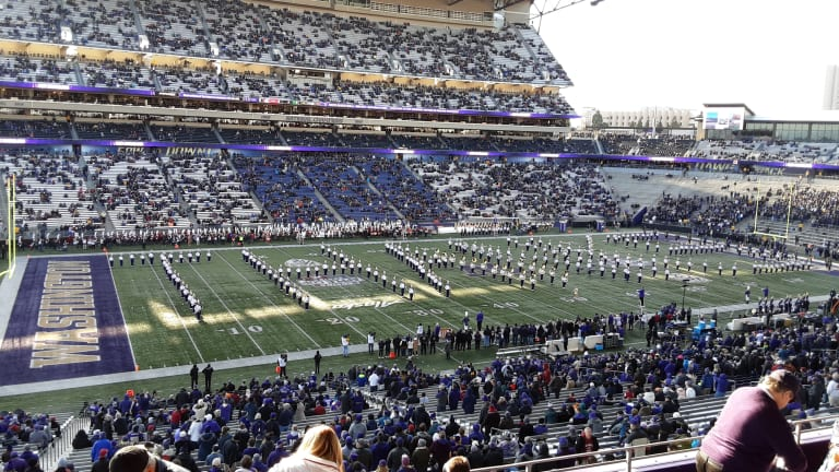 """Apple Cup: UW Marching Band Honors WSU, Plays """"Cougar Fight Song"""""""