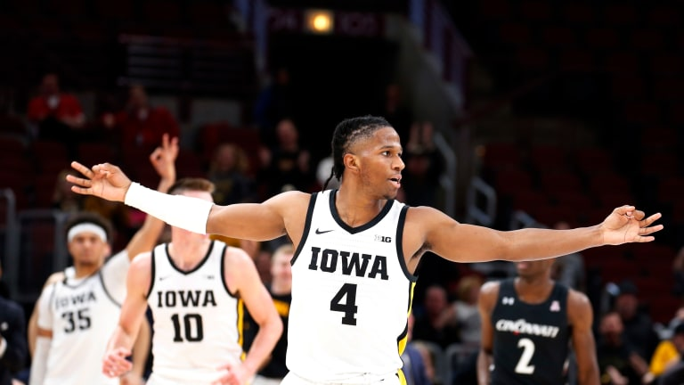 The Monday Tipoff: Evelyn Will Be An Experienced Key As Hawkeyes Move Forward