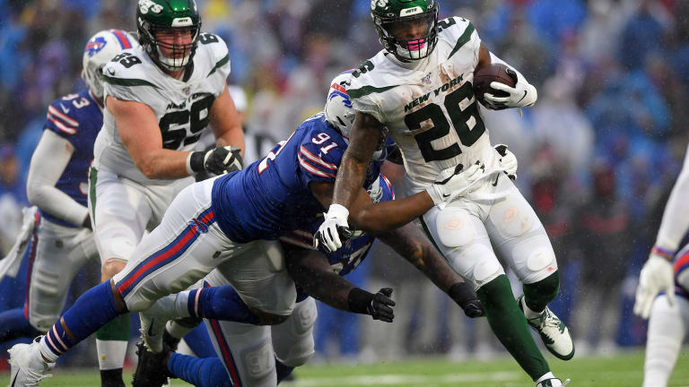 Bell Call: Jets GM Joe Douglas Says 'I Will Listen' If Teams Call About Le'Veon Bell
