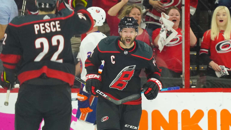 Hurricanes Sign Forward Justin Williams to One-Year Contract