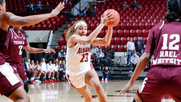 Alabama Women's Basketball Falls to No. 15 Texas A&M in Final Minutes, 79-74